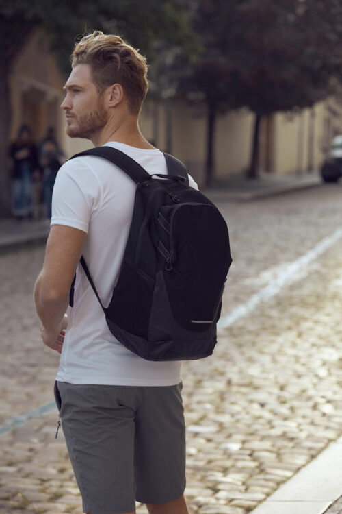 040241_Backpack_Black_sac à dos, clique, 109 t-shirts, sac a dos fonctionnel, compartiments, ordinateur, poches, qualite, sans pvc