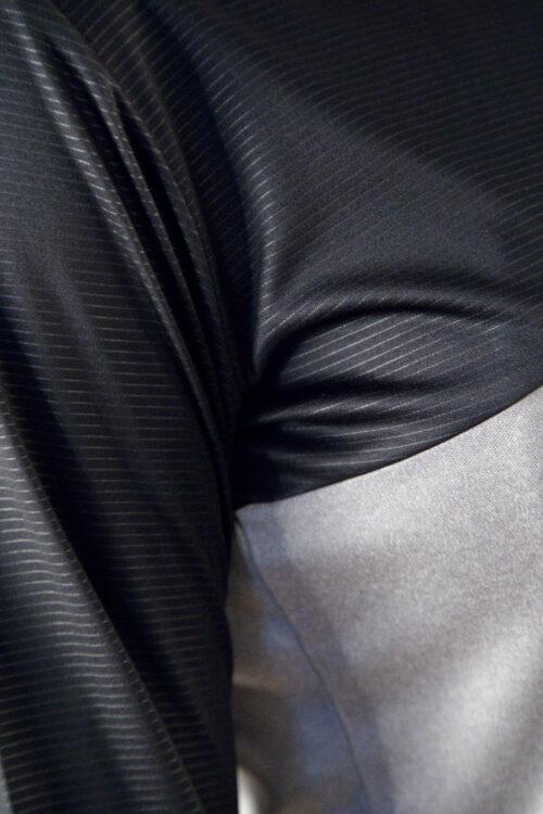 1906265_950999_Radiate_LS_Tee_Femme, Tee-shirt de course manches longuescontemporain conçu pour les personnes actives qui cherchent à se sentir bien. Le t-shirt est fait de matériaux fonctionnels, y compris un empicèement en tissu en relief. Un design moderne, une coupe parfaite et une bonne évacuation de l'humidité font de ce vêtement polyvalent le compagnon idéal de presque tous les types d'exercices. Ajustement régulier. Transport d'humidité - Séchage rapide - Stretch, Craft, 109 t-shirts