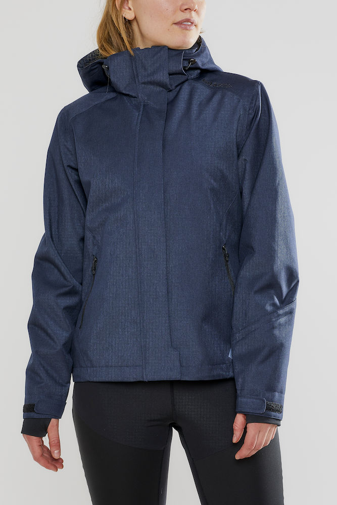 1906275_395200_Mountain jacket_Femme, Softshell moderne avec col haut - Capuche amovible - Le modèle parfait pour casser les lignes entre l'exigence de la montagne et le design urbain - vous vous sentez comme à la maison - Coupe-vent et imperméabilité qui assure une excellente protection et confort - 2 poches zippées - 1 poche poitrine intérieure - poche ski pass dans la manche - Manches préformées - Passe-pouce WP : 8000 MWP : 8000, Craft, 109 t-shirts