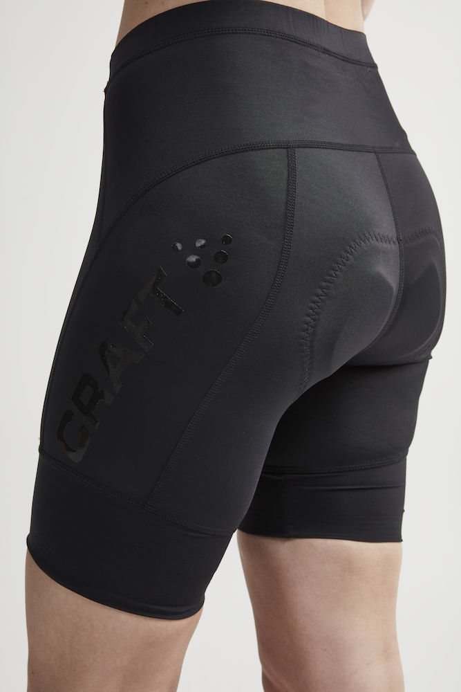 1907136_999000_Essence Shorts_Femme, Short doux, extensible et ergonomique • Production durable - Polyamide recyclée • Evacuation optimale de la transpiration • Lycra - compression Sport Energy avec tissage extensible quadri directionnel • Finitions bandes élastiques larges • Avec relief silicone pour une meilleure tenue • Finitions rétro-réfléchissantes • Renfort de selle 3D, Craft, 109 t-shirts