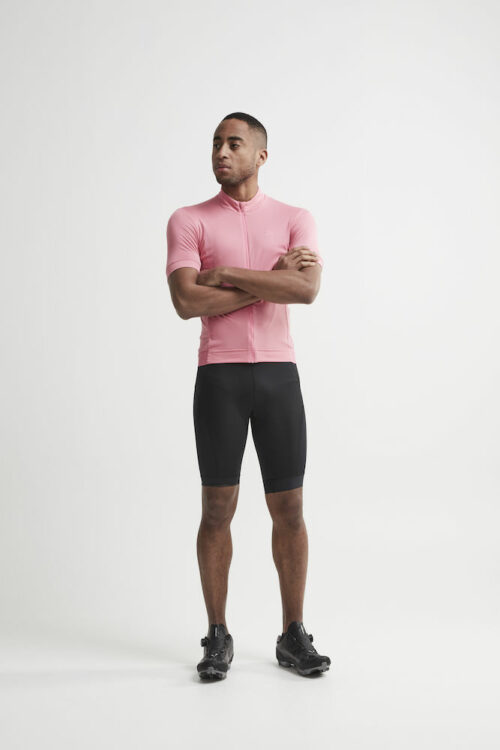1907157_999000_Essence Bib Shorts_Homme, Cycliste doux, extensible et ergonomique • Production durable - Polyamide recyclée • Evacuation optimale de la transpiration • Lycra - compression Sport Energy avec tissage extensible quadri directionnel • Finitions bandes élastiques larges • Avec relief silicone pour une meilleure tenue • Finitions rétro-réfléchissantes • Renfort de selle 3D, Craft, 109 t-shirts