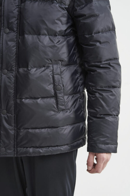 1908000_396000_Down jkt_Homme, Grosse Doudoune chaude • Deux poches latérales • Capuche amovible • Bords côte sur les manches • Poche intérieure zippée • Taille justable, Craft, 109 t-shirts