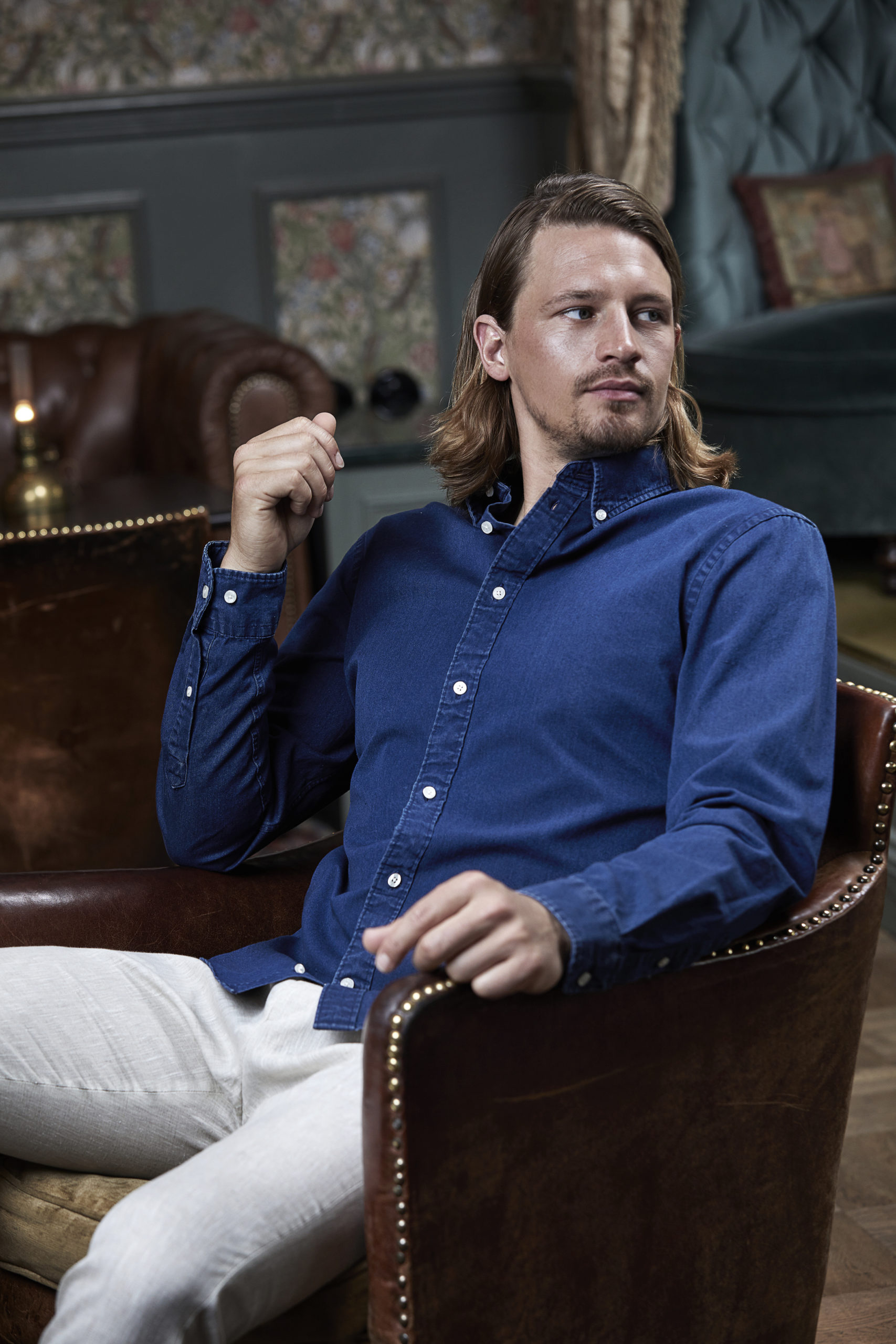 4002_Homme, Casual Taille Shirt, vêtement blanchi -col boutonné -col et poignets incorporés -empiècement au dos avec pli creux -boucle de suspension intérieure -ourlet incurvé -coupe ajustée, Tee Jays, 109 t-shirts