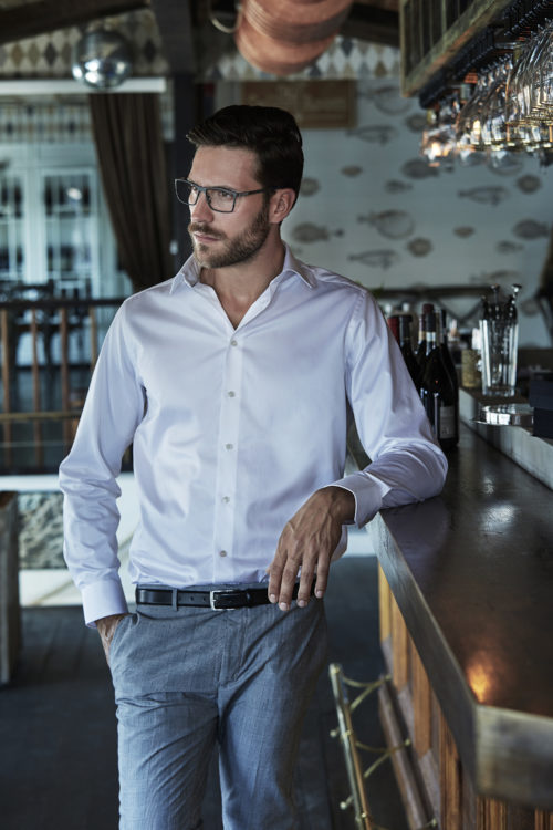 4020_Luxury Shirt Comfort Fit, Homme, col légèrement échancré -col et poignets incorporés -empiècement arrière -pinces au dos -poignets deux boutons -ourlet incurvé -facile à repasser -coupe confortable, Tee Jays, 109 t-shirts
