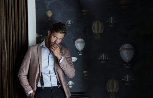 4021_Luxury Shirt Slim Fit, Homme, col légèrement échancré -col et poignets incorporés -empiècement arrière -pinces au dos -poignets deux boutons -ourlet incurvé -facile à repasser -coupe Slim, Tee Jays, 109 t-shirts