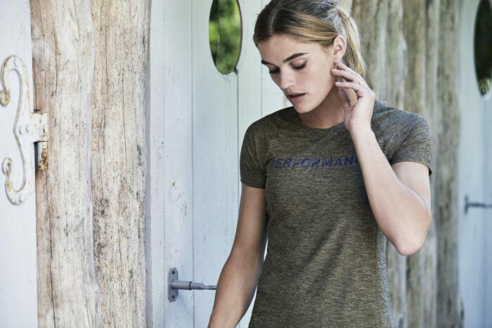 7021_Femme, CoolDry Tee, tissu doux et léger -respirant -séchage rapide et évacue la transpiration -surpiqûres plates -impression réfléchissante -modèle sportif, Tee Jays, 109 t-shirts